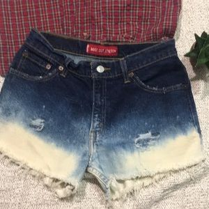 LEVIS | Custom Bleach Dip Festival Cut Off Shorts